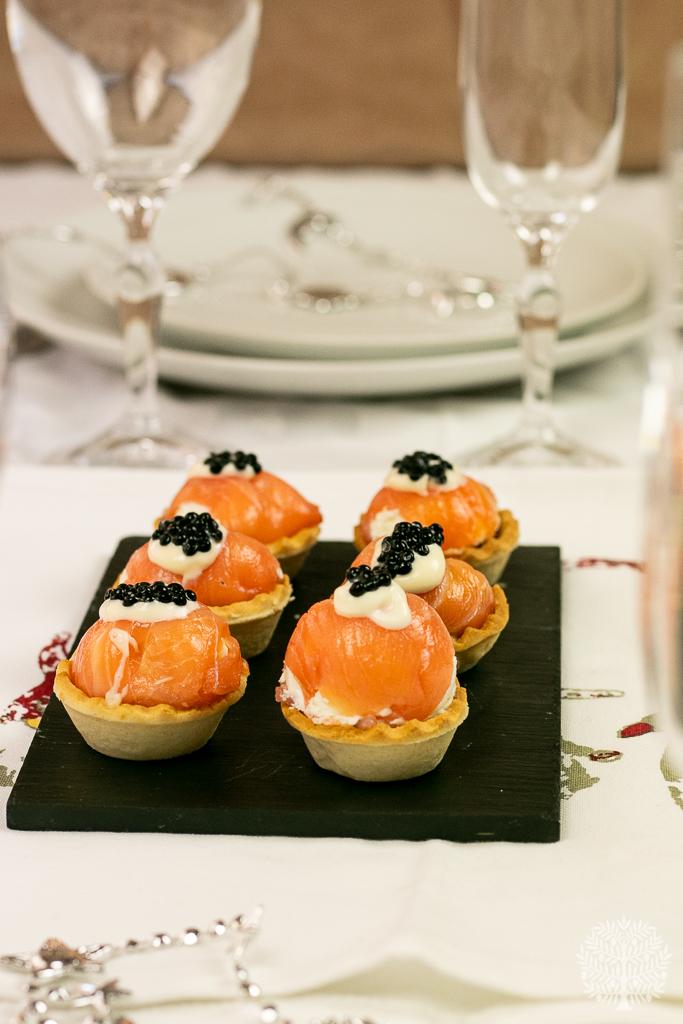 Bombones de salmón con queso y nueces