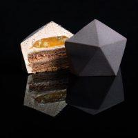 Futuriste ! Les Moules à Pâtisseries de Dinara Kasko