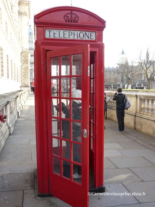 Londres et ses cabines téléphoniques