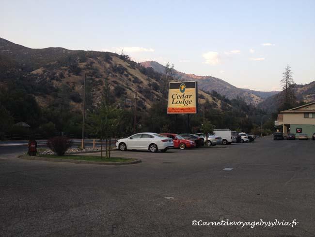 Cedar Lodge motel Yosemite - vue de la chambre