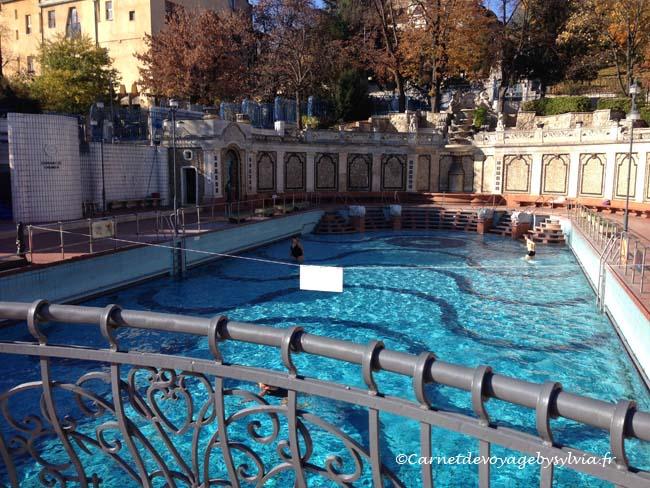 piscine thermale extérieure Gellert