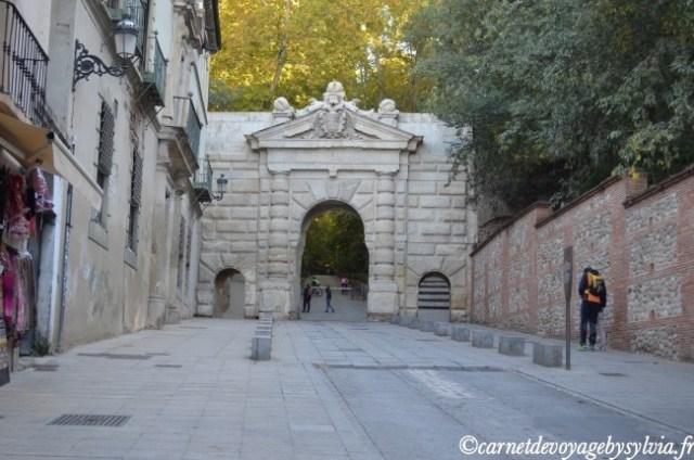 entrée pour accéder à l'Alhambra