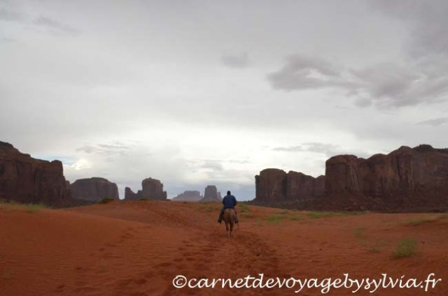 Monument Valley à cheval