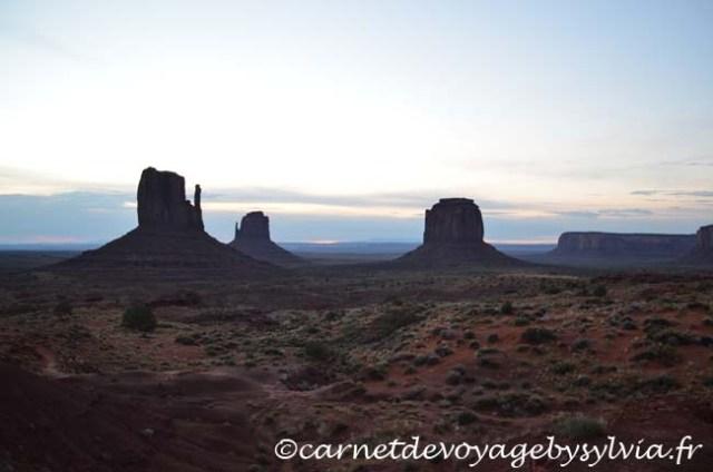 Monument Valley levée du soleil