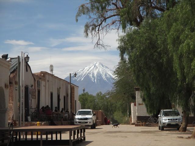 Place de l'église de San Pedro de Atacama