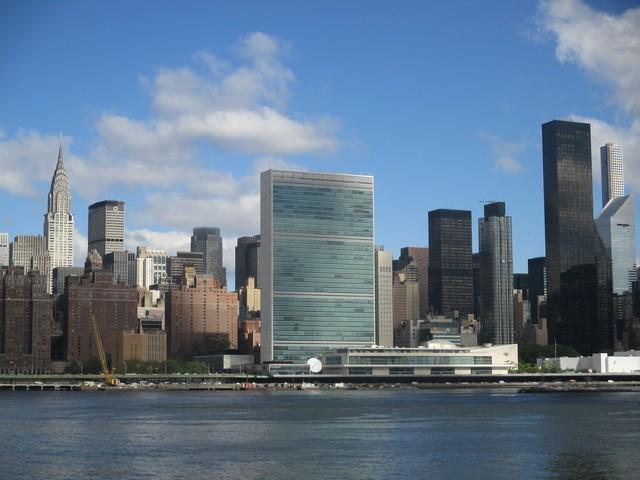 Nations Unies depuis East River