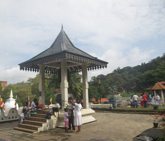 Gong extérieur temple de la Dent