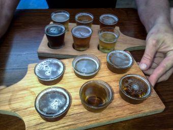 Photo tasting beers