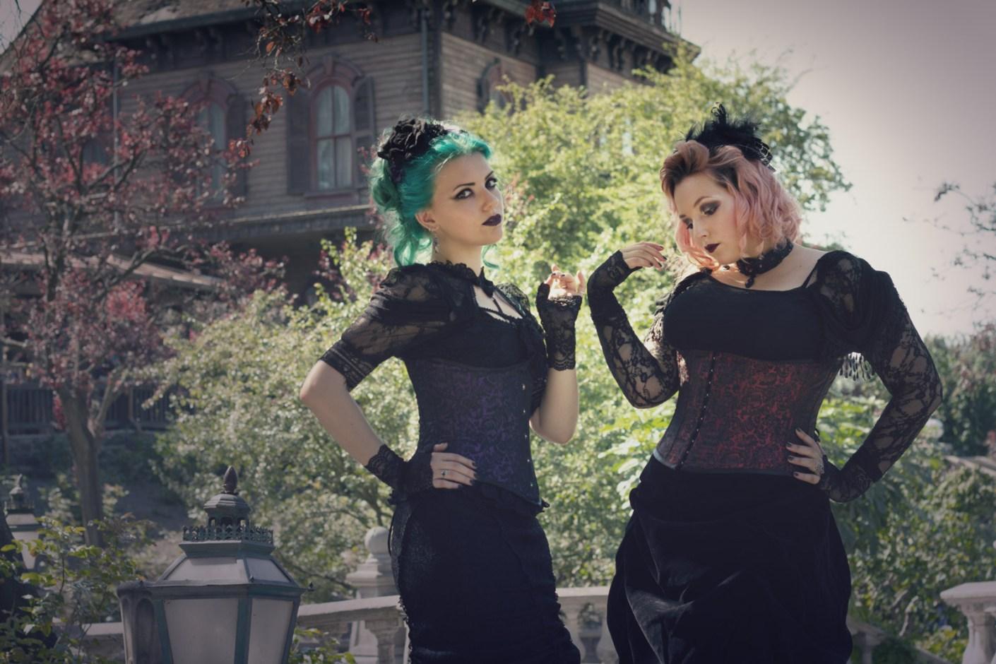 Ravenswood Sisters : Phantom Manor Paris