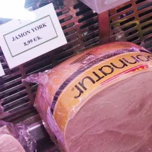 Jamon york en carniceria de Gijon