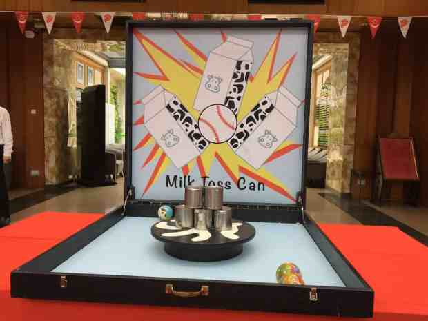 Tin Cans Toss Game Stall
