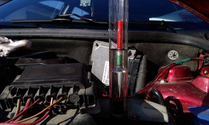 Penentuan ketumpatan elektrolit bateri kereta