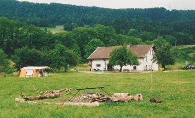 Caro juillet 99 - camping dans le Jura