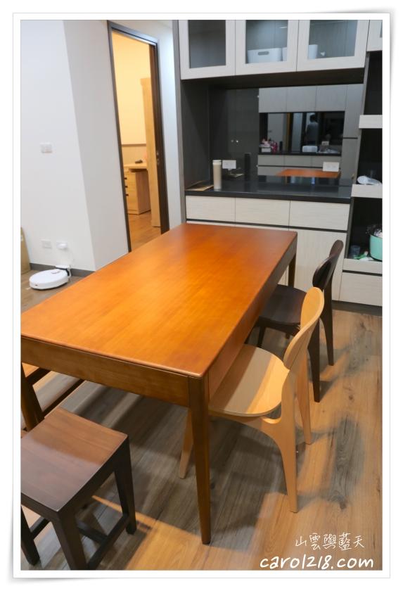 不語餐桌,彩色椅凳,有情門,有情門椅子,有情門邊几,有情門餐桌,滑翔長凳