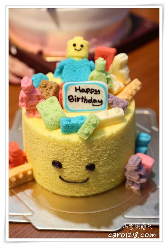 [台中南區]兔子吃甜點~可宅配的超可愛樂高造型戚風蛋糕