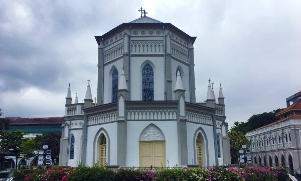 讚美廣場教堂背面