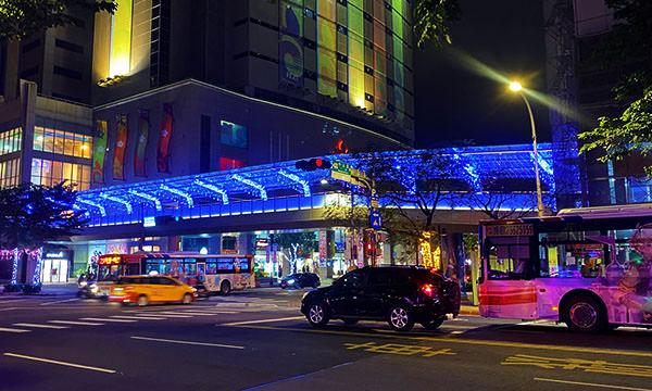 璀璨光廊 藍白銀河燈飾