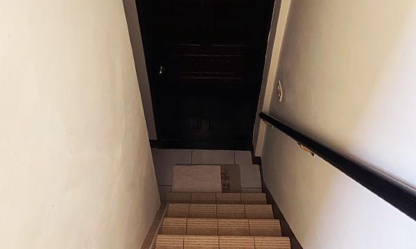 溫馨民宿樓梯