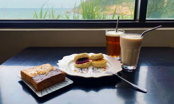 刺鳥咖啡書店的餐點