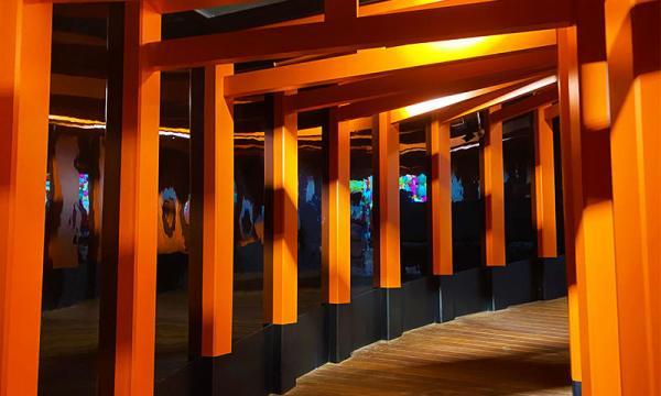 千本鳥居像是伏見稻荷神社