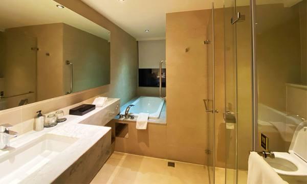 捷絲旅雙人房浴室