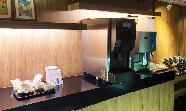 捷絲旅的圖書館有咖啡機