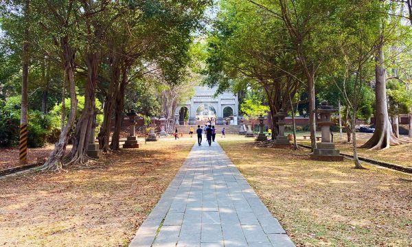 嘉義公園內的日式石燈
