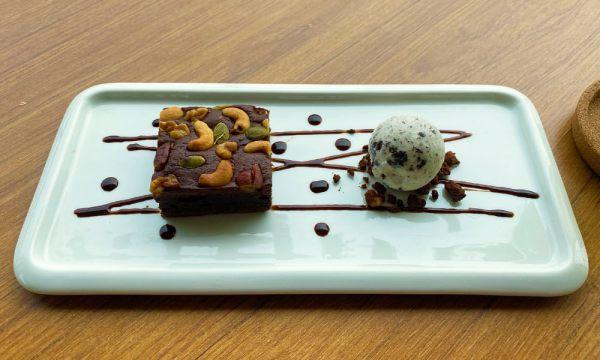 乳酪核果布朗尼+冰淇淋