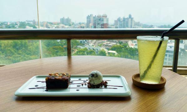 射日塔11樓的景觀咖啡廳