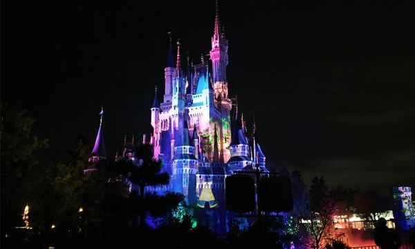 東京迪士尼夜間城堡