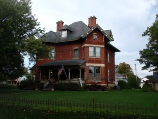 Squiers Manor Bed And Breakfast