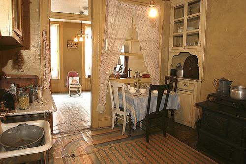 baldizzi-kitchen-tenement-museum-97-orchard-st