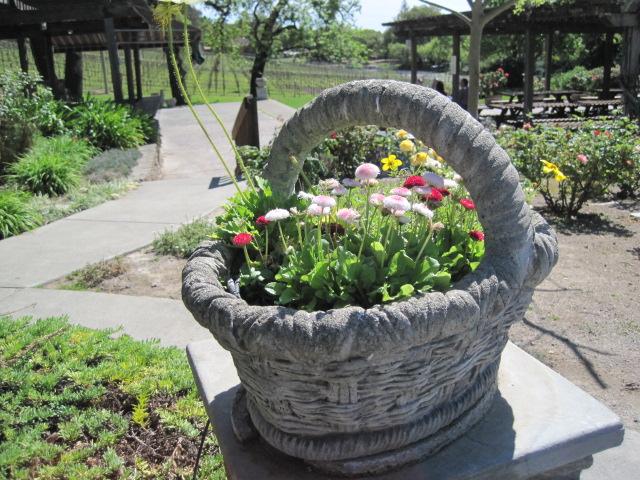 Flower basket GB2