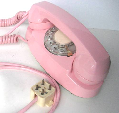 AW-PINK-PRINCESS-PHONE-OLD-PLUG-500