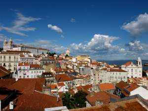 Finding Gina: a Portugal mystery
