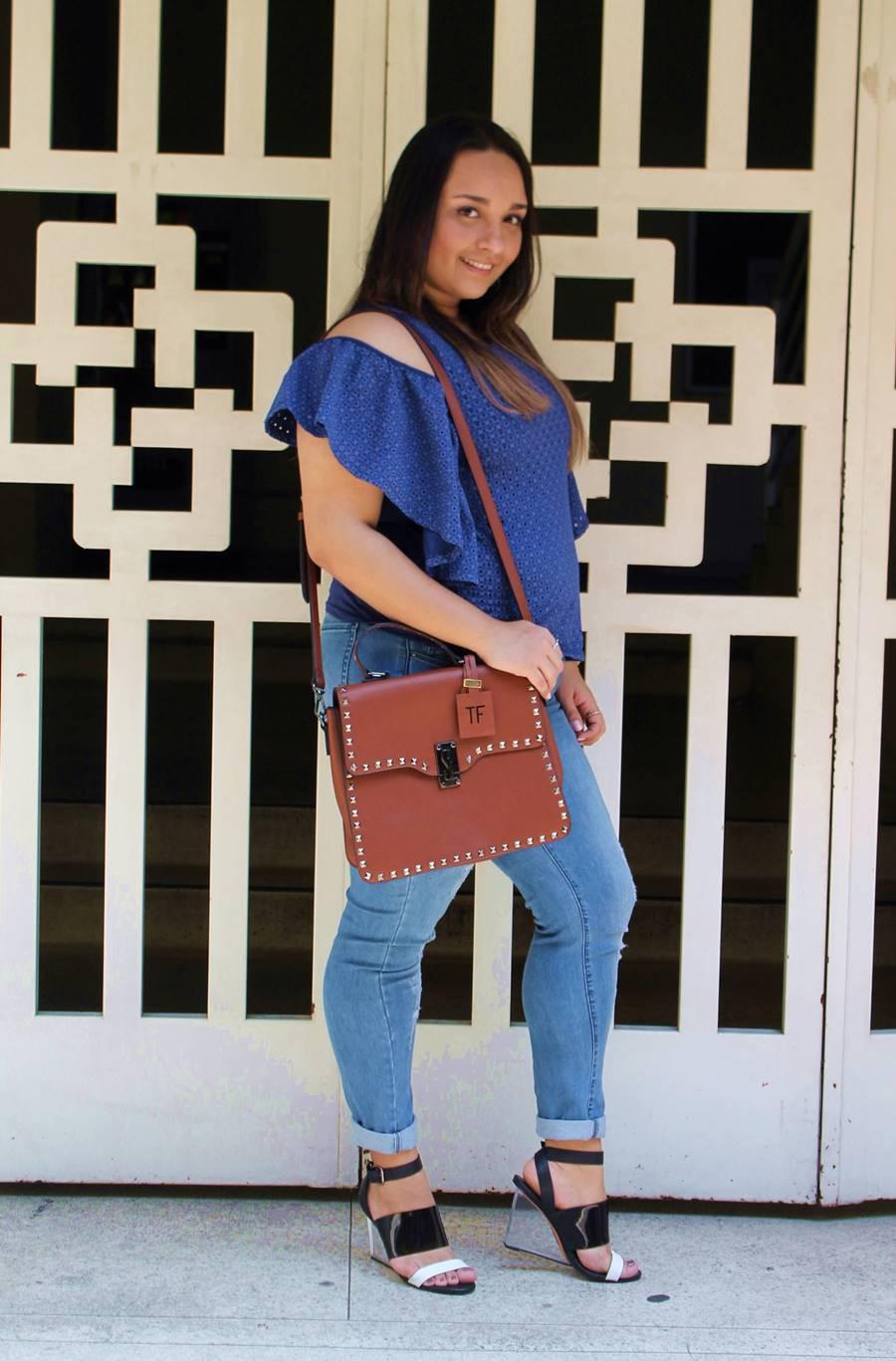 look do dia blusinha azul Carol Doria