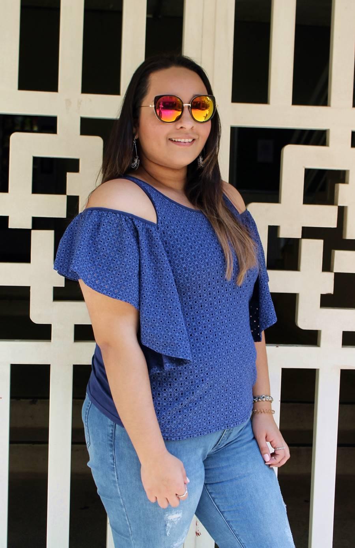 Carol Doria blusinha azul look do dia