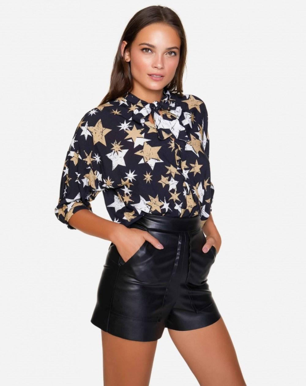 Camisa de estrelas da Amaro - Carol Doria
