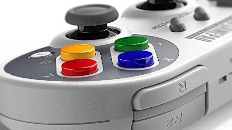 Deux manettes sans-fil aux couleurs de la  Super Nintendo compatibles Switch et Mini Classic annoncées !