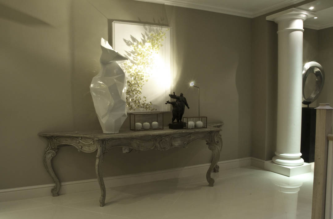 S large console table with light on