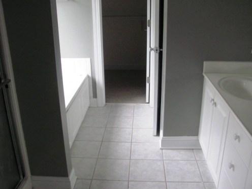 232 Yearling Loop Master Bathroom