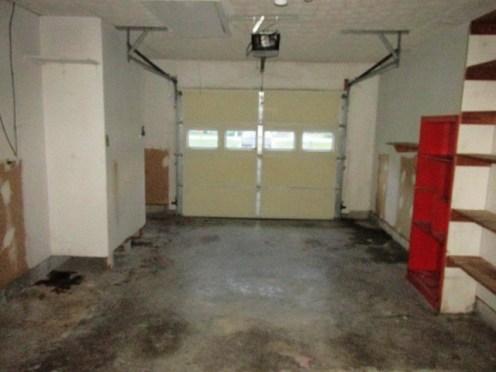 527 W Grantham Garage Interior
