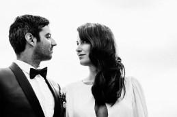 portrait des mariés en noir et blanc