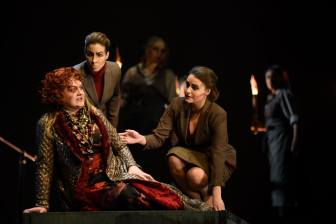 Die Schleppträgerin/ Elektra/ Opéra de Montréal/ Novembre 2015