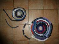 Tapis de chaussettes orphelines (sa sœur ayant été avalée toute crue par l'ogresse machine-à-laver... )