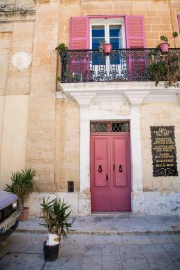 Mdina, Malta, Silent City, exploring Mdina, what to see Mdina, coloured doors Mdina