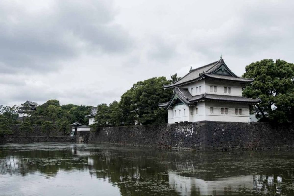 Imperial Palace Tokyo looking gloomy with a grey sky