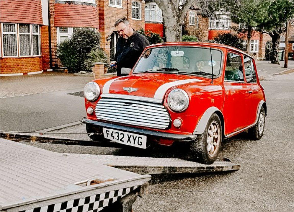 Classic mini pick up