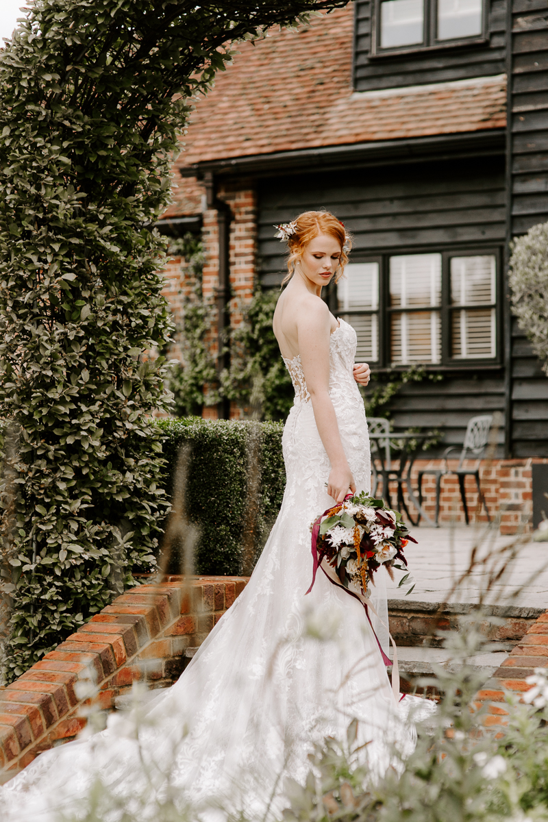 Autumn wedding at Coltsfoot wedding venue in Hertfordshire