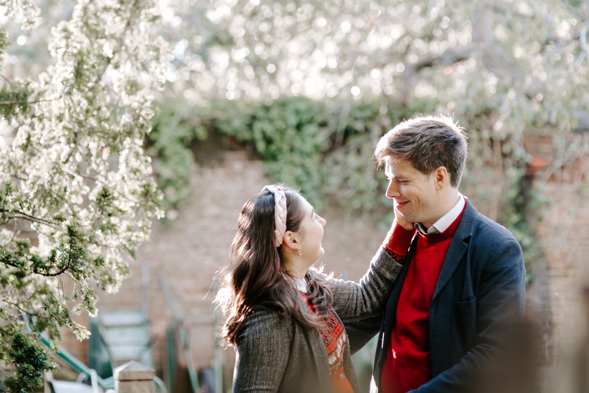 Oxfordshire engagement shoot at Greys Court